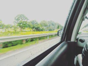 window-2445525_640